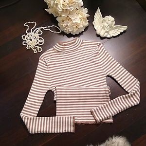 Forever 21 Beige Syriped Sweater